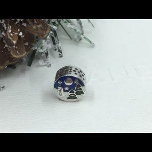 Pandora Snowy Wonderland Charm